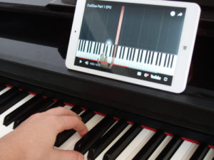 Piano Tutorials using tablet